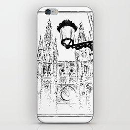 Catedral De Burgos con Farola iPhone Skin