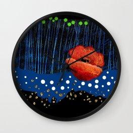 Coquelicot et rivière Wall Clock