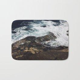 Beautiful waves at Clovelly Beach, NSW, Australia Bath Mat