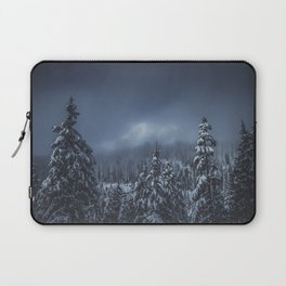 Moody Skies - Mount Rainier National Park Laptop Sleeve