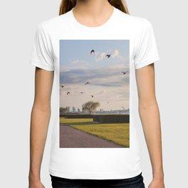 HyperReality Shift. Starling Flyover. T-shirt