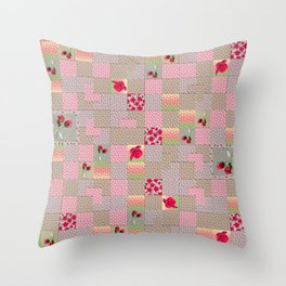 Rose Quilt without border Throw Pillow