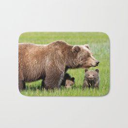 Awe Inspiring Grizzly Bear Mother With Two Cute Little Cubs On Idyllic Meadow Close Up Ultra HD Bath Mat