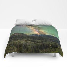 Milky way over nokhu crags Comforters