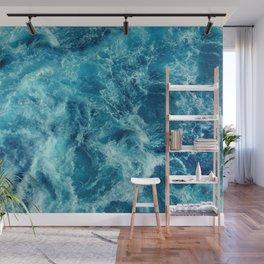 Ocean is shaking Wall Mural