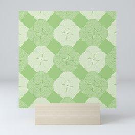 Garden Geranium Quatrefoil Pattern Mini Art Print