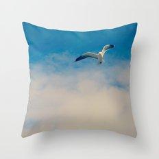 gull ible... Throw Pillow