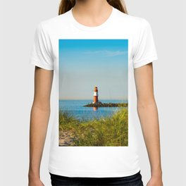 Red lighthouse in Warnemünde T-shirt