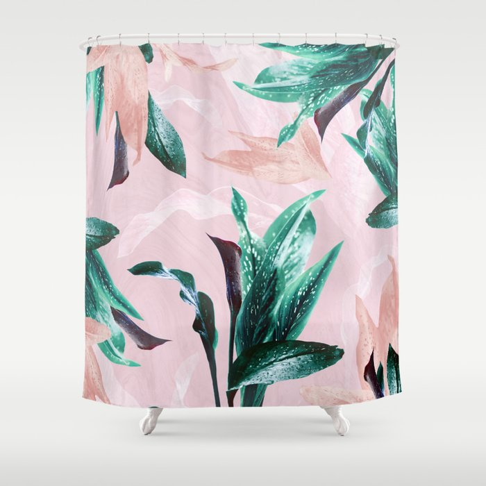 Ordinaire Odessa Calla Lily Shower Curtain