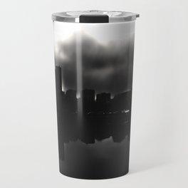 Sleeping in the dark (black v.) Travel Mug