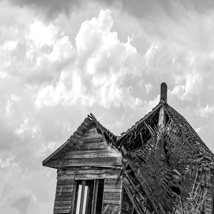 Sweeping Down the Plains - Abandoned House and Storm in Oklahoma Leggings