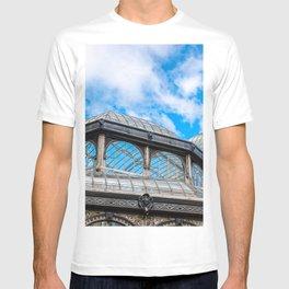 Crystal Palace in Retiro Park, Madrid T-shirt