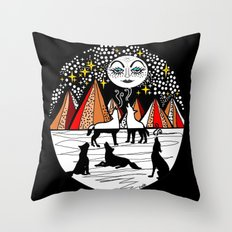 full wolf moon Throw Pillow