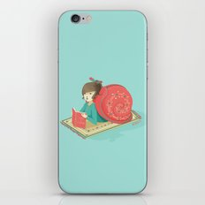 Cozy snail iPhone & iPod Skin