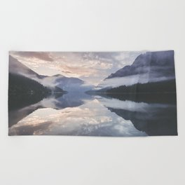 Mornings like this - Landscape and Nature Photography Beach Towel