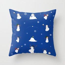 snowmen snowball fight Throw Pillow