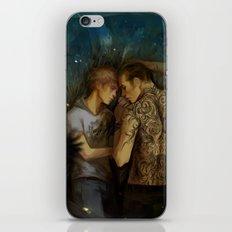 Unguibus et rostro iPhone & iPod Skin