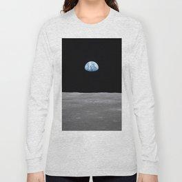 Earth rise over the Moon Long Sleeve T-shirt