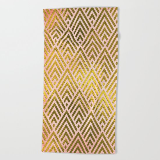 Gold foil triangles on pink - Elegant and luxury pattern Beach Towel