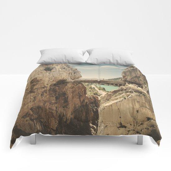 """The most dangerous trail in the world"". El Caminito del Rey Comforters"