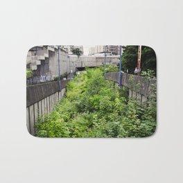 Envahi par la Végétation // Invaded by Vegetation Bath Mat