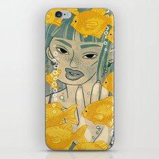 GOLDFISH MEMORY iPhone Skin