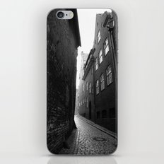The alley photo in black and white iPhone & iPod Skin