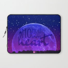 Home is where the heart aches Laptop Sleeve