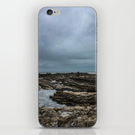 Stormy Tide Pool - Bude, England iPhone Skin