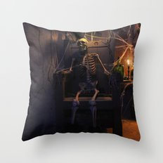 He done wrong Throw Pillow