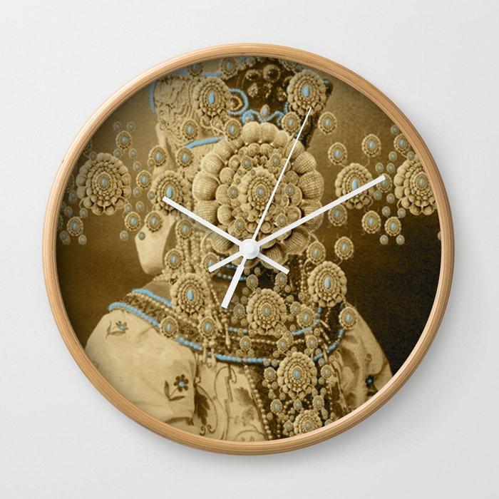 SALACIA Wall Clock