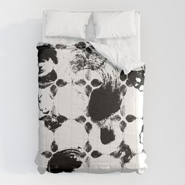 Black and white leaves Comforters