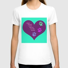 Dogs Leave Love Prints On The Heart By Annie Zeno  T-shirt