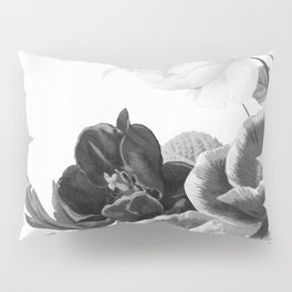grayscale poenies and roses Pillow Sham