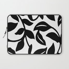 LEAF AND VINE SWIRL IN BLACK AND WHITE PATTERN Laptop Sleeve