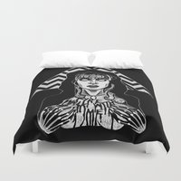 laura palmer Duvet Covers featuring She's Filled with Secrets - Laura Palmer - Twin Peaks by Alice Rogers