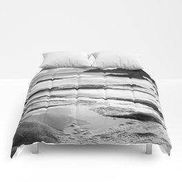 """Vela Blanca Tower"". Bw Comforters"