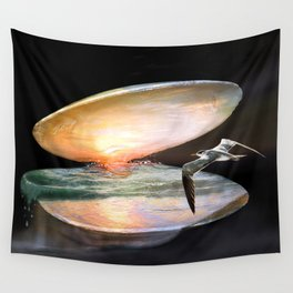 Sun in the shell Wall Tapestry