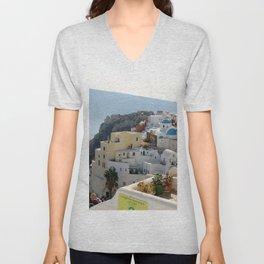 Grece Santorini Oia Village   Ville Oia Unisex V-Neck
