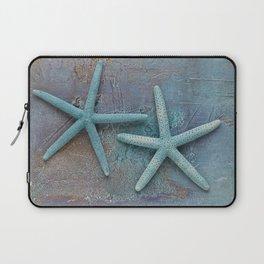 Turquoise Starfish on textured Background Laptop Sleeve