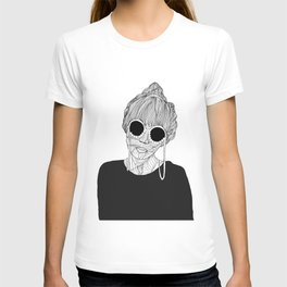 THE QUEEN B(ITCH) T-shirt