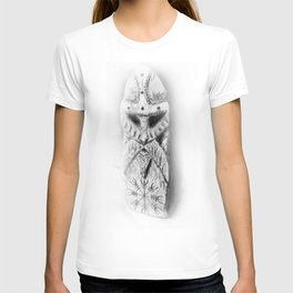 Norse Warrior carving - Helm of Awe T-shirt