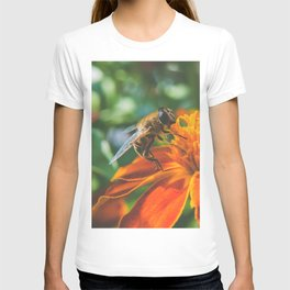 Bee working on flower T-shirt