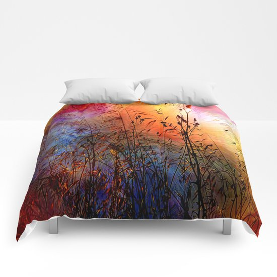 Vintage Nature explosion Comforters