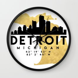 DETROIT MICHIGAN SILHOUETTE SKYLINE MAP ART Wall Clock