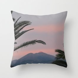 Tramonti vulcanici. Throw Pillow