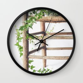 Trailing Wall Clock