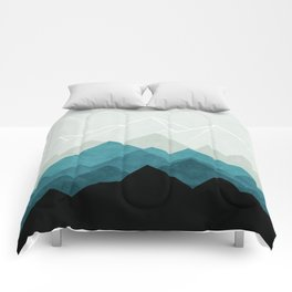 Fading Geometric Mountains Comforters