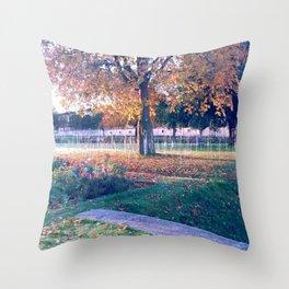 Jardin des tuileries, Paris 2 Throw Pillow