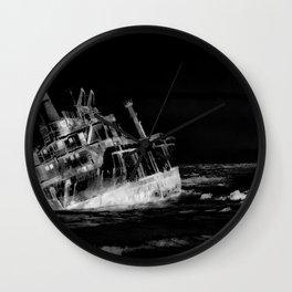 shipwreck aqrebwi Wall Clock